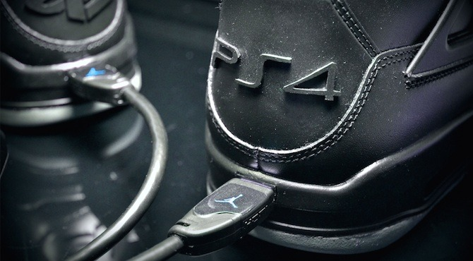 Immagine Fanboy PlayStation? In vendita le PS4 Nike Air Jordans con porta HDMI
