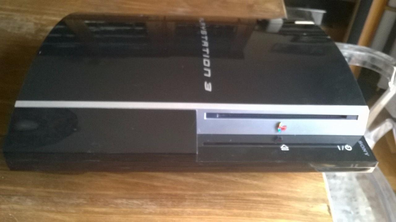 Vendo console ps3 usata in vendita a 90 mercatino ps3 for Mercatino usato viterbo